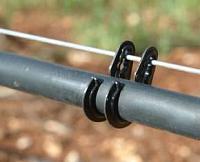 Двойной крючок для поддержки капельной линии